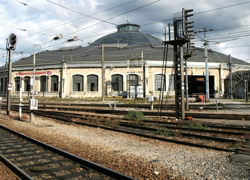 SNCF roundhouse